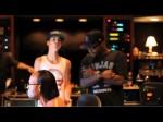 Under The Mistletoe Webisode – Boyz 2 Men and Justin in the Studio (FALALA)