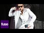 Justin Bieber Drops a Fan's Phone Down His Pants